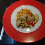 Zoete aardappelschotel met kip